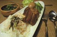 元氣早餐5   滷蛋焢肉飯+燙菠菜+海帶芽豆腐湯