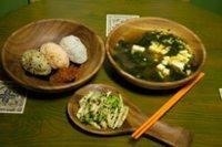 元氣早餐1  味噌湯、三色小飯糰、涼拌黃瓜雞絲