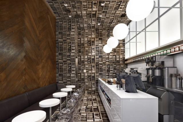 紐約客最愛! 麥迪遜大道上用「書」蓋的咖啡廳