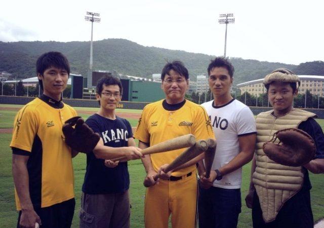 KANO球具復刻版兄弟象的捕手王峻杰覺得很新鮮