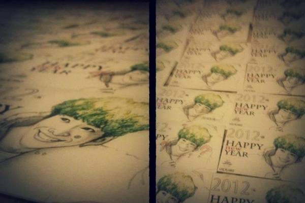 貼心破表! 劉以豪親手做250張明信片