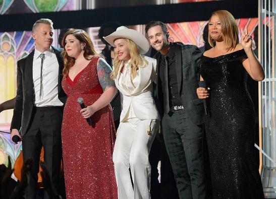 葛萊美/娜姐、麥克莫同聲齊呼平等的愛 眾多歌手力挺多元成家