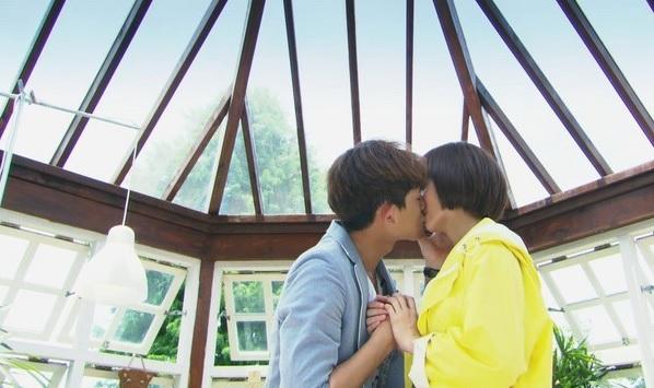 Fanily爆報/浪漫破表接吻場景!玻璃屋裡甜蜜親