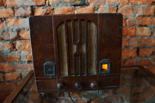 Fanily爆報/來看《KANO》古董收音機 來聽特色書店好故事