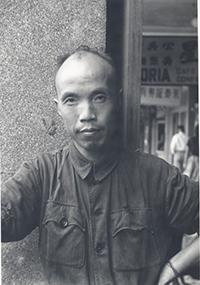 台灣詩壇的苦行僧—周夢蝶