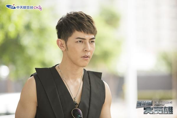 超級大英雄-洪曉東 / 汪東城飾  27歲,偵探社負責人