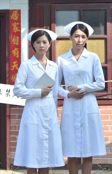 古早護士逛大街 林予晞、王思平被嫌「俗」