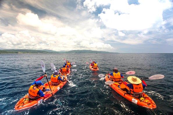 6 月8日世界海洋日‧改造獨木舟環遊世界計劃‧最大膽的冒險紀實!
