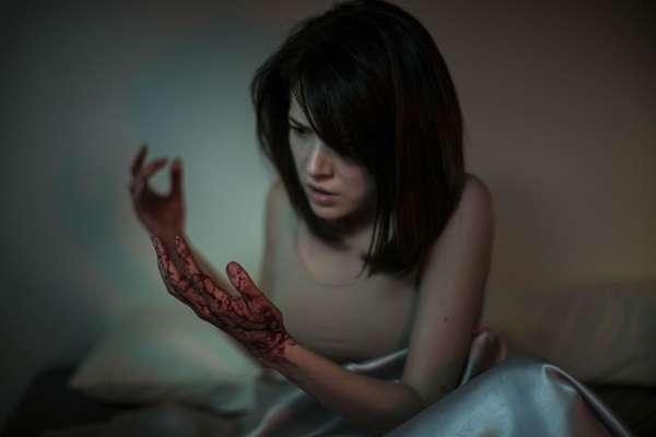 自我恐懼與救贖  詭譎的『紅衣小女孩』