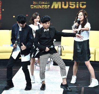 林俊傑、黃子佼拚舞步 Popu Lady笑「像復健」