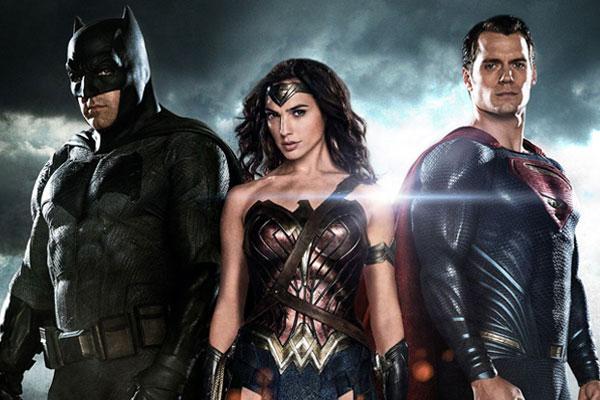 《蝙蝠俠對超人:正義曙光》 如果這個世界有英雄