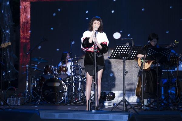 今舉辦『愛造飛雞』Live音樂會 精選7首歌曲與粉絲共度聖誕