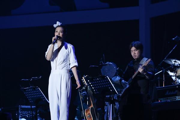 「文藝天后」 劉若英獻大驚喜 四大影后現身「我敢」演唱會北京場