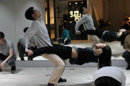 【轉載】陳瑋薇挑戰極致性愛 半空中現高潮臉
