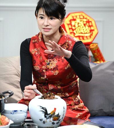 蘇宗怡卸主播套裝 紅咚咚「拜年裝」亮相