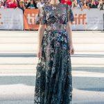 瑞秋麥亞當斯出席《驚爆焦點》多倫多首映  紅毯大秀薄紗誘惑