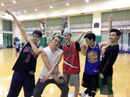 天啊 我有看錯嗎?籃球夢幻明星隊 猜猜看有誰?