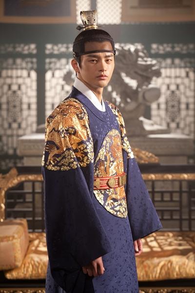 陽光徐仁國收起笑臉  接演韓國古裝大劇《王的面孔》