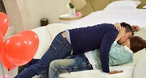 楊丞琳「胡椒蟹」睹物思情 張孝全「醉後」躺在新郎房角落