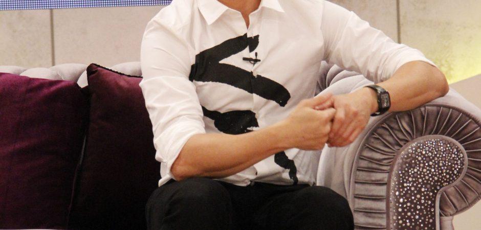 吳奇隆上《SS小燕之夜》宣傳新戲《蜀山戰紀》 樂坐好「孕」沙發