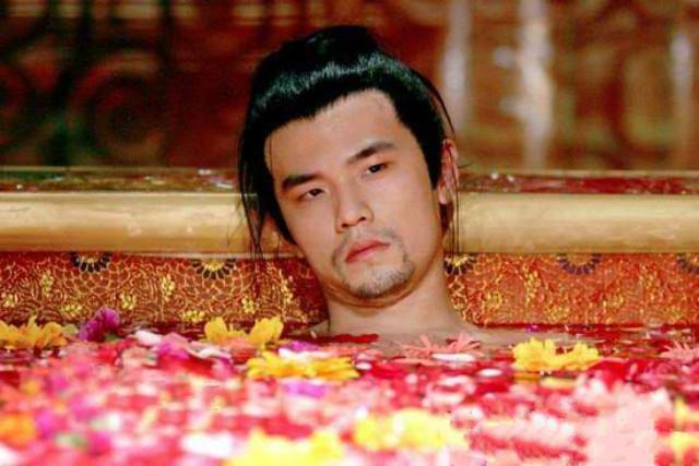 周杰倫在《滿城盡帶黃金甲》古妝扮相圖 / 翻攝自網路